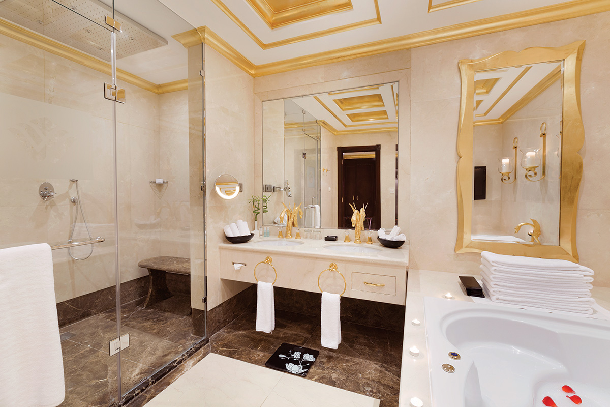28-Al-Asmakh-Royal-Suite-Bathroom