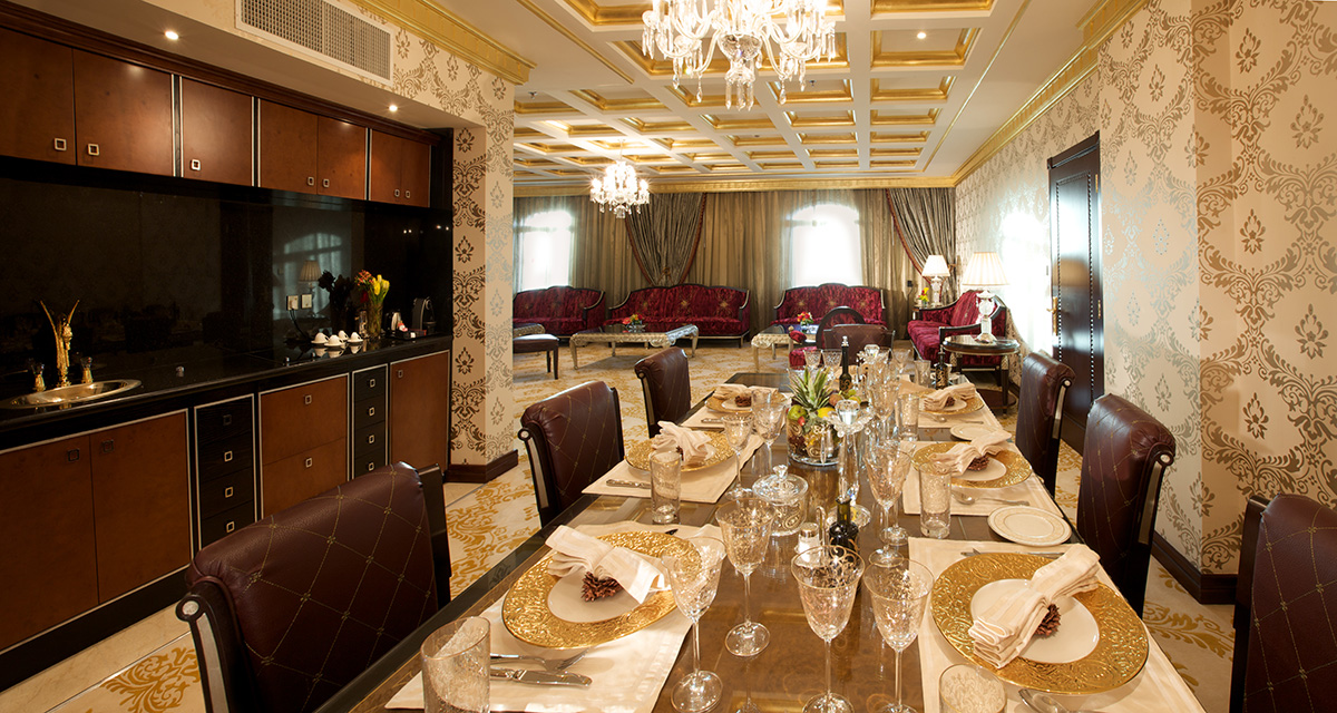 34-Al-Asmakh-Royal-Suite-Dining-Table